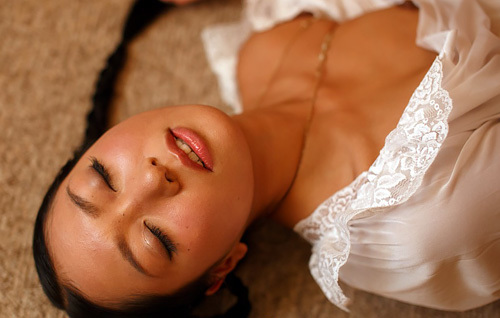 三田羽衣ヌードエ□画像99枚!ピンク映画「オナ●ーシスター」で乳首解禁していた…