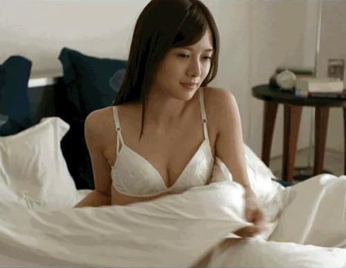 白石麻衣(25)闇金ウシジマくんでの純白下着姿がぐうシコww【エ□画像】