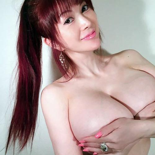 【エ□ボディ】叶美香さんのドエ□コスプレ、この身体で50歳ってウッソだろwwwwwwwww(画像多数)