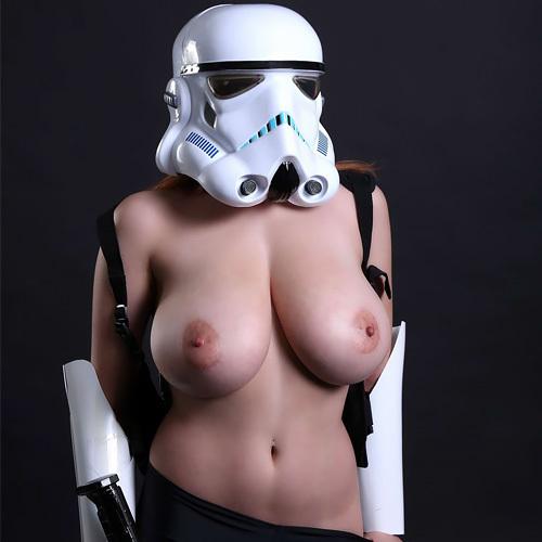 爆乳ストームトルーパーwww装甲服にこんなデカい乳は入らんやろwwww【コスプレエロ画像】