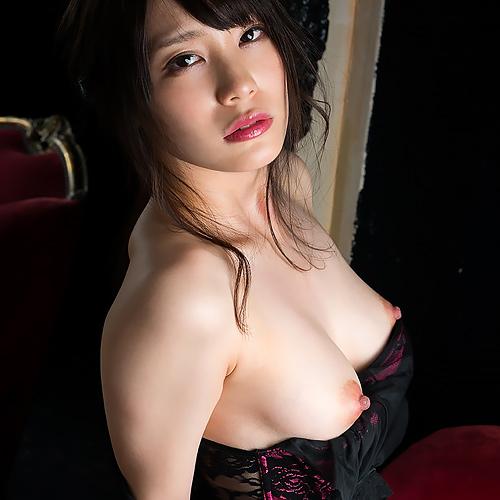 (鈴村あいり)美しい胸、美しいくびれ、そして…えろいチクビ☆業界屈指のモデル女優、再始動。色っぽい過ぎるぬーどグラビアwwwwww