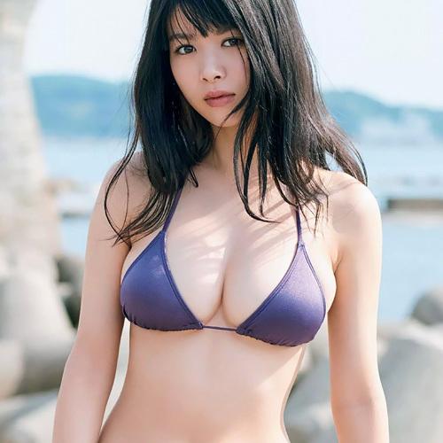 【馬場ふみか】女優仕事が増えても、この水着からハミ出す乳と尻は出来る限り長く見せ続けてほしいwww