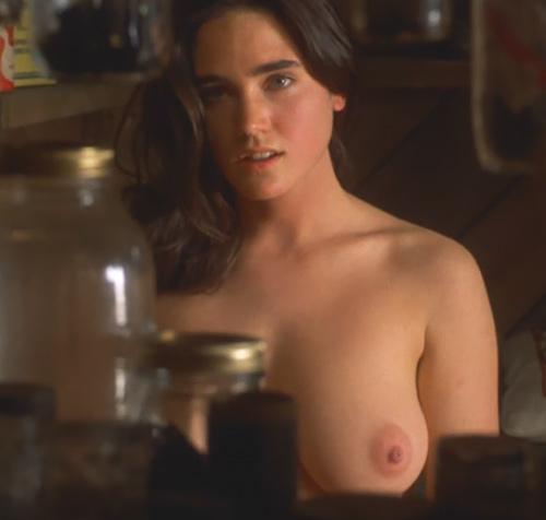 女優のジェニファー・コネリーの乳首がたまらんオッパイヌードのセクシーGIF画像www