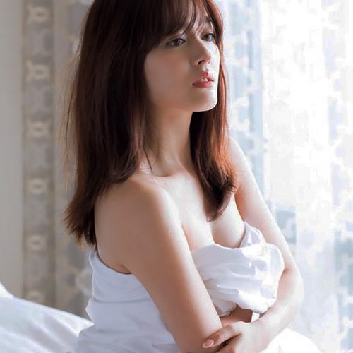 久住小春ちゃんの巨乳な感じのセクシー画像www