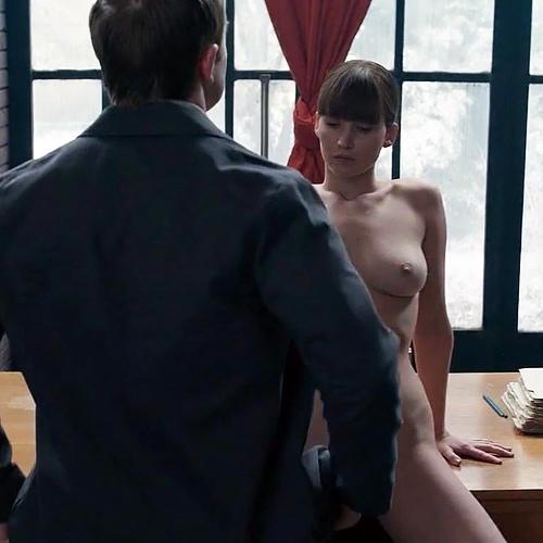 人気女優、ジェニファー・ローレンスのヌードシーンのGIF動画www