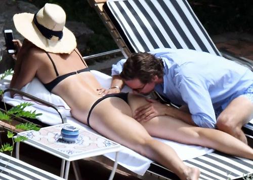 マリア ・シャラポワのTバック水着のお尻がエロいパパラッチ画像www