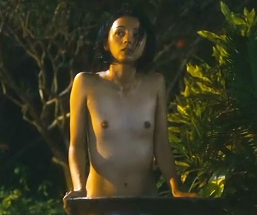 【満島ひかり】勃起した乳首がエロい!全裸水浴びシーンをじっくり見れる動画www