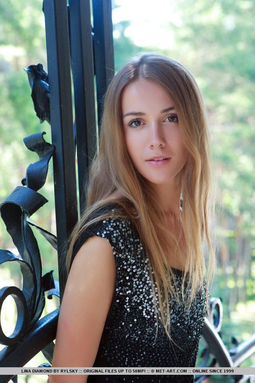 MetArt - Lina Diamond - PRESENTING LINA DIAMOND