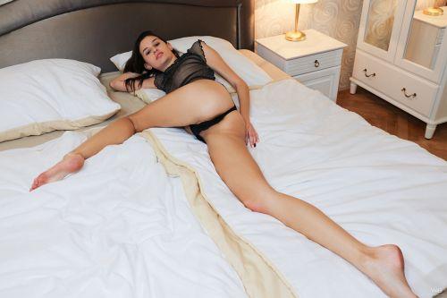 Cristin - COME TO BED 10