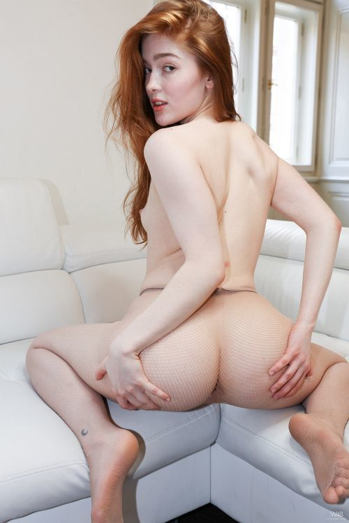 Jia Lissa - FUN ON THE COUCH 14