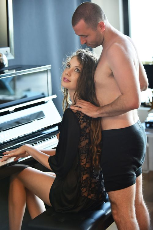 Elena Koshka - PIANO CONCIERTO 05