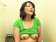 ダイスキ!人妻熟女動画 :息子の学費を捻出するためにどっかのハゲオヤジに抱かれる四十路母 円城ひとみ