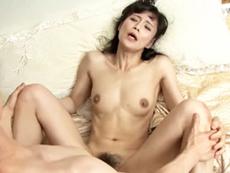 ダイスキ!人妻熟女動画 :スレンダーで卑猥な四十路の叔母さんが誘ってきたのでガン突きしまくったった 平岡里枝子