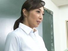 高齢人妻熟女動画 あっふ〜ん :五十路の美熟女先生がセフレの生徒と学校のあっちこっちでエッチしまくりw 音羽文子