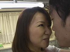 熟女ストレート :五十路熟女の綺麗な母親と息子が中出しセックス! 牧原れい子