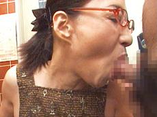 裏・桃太郎の弟子 :【無修正】極太チ●コ2本に生唾を飲む五十路痴女 安藤千代子