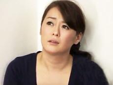 ダイスキ!人妻熟女動画 :息子の同級生たちが毎日やってきて四十路母の熟れた肉体を全員で弄ぶ! 栗野葉子
