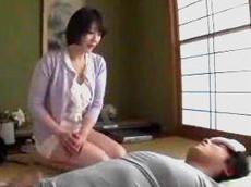 人妻会館 :【円城ひとみ】 おばさんの寝室を覗いたんだ!オナニーしてたよね!