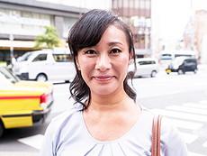 キレイな人妻熟女動画 :おばさんナンパ!街行く熟女を狙い撃ち!ポチ袋見せてハメ撮りゲット!