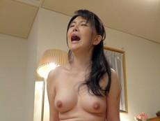 B専タケダ :AVを拾う人妻 浅井舞香