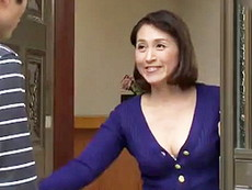 高齢人妻熟女動画 あっふ〜ん :息子の友達と欲情セックスに溺れる四十路母! 小田しおり