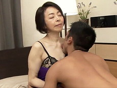 高齢人妻熟女動画 あっふ〜ん :エロいランジェリーを身に纏った五十路母と息子が互いの肉体を貪る母子交尾! 藍川京子