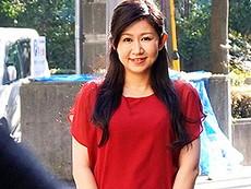キレイな人妻熟女動画 :草食系の夫が働いている昼間、セフレと密会してセックスに溺れるアラフォー妻 内田ゆり子