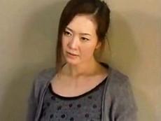キレイな人妻熟女動画 :【ヘンリー塚本】42歳の母親が18歳の息子の肉棒を受け入れる! 東条美菜