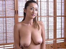 キレイな人妻熟女動画 :全裸で過ごす裸族の三十路妻!爆乳肉食妻にどくどくと中出し! 吹石れな