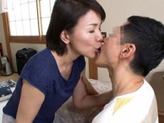 高齢人妻熟女動画 あっふ〜ん :六十路母と息子がベロチューしながら相思相愛の中出し母子交尾! 内原美智子
