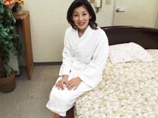 裏・桃太郎の弟子 :【無修正】刺激的なセックスに溺れる美人妻 沢村雪子