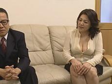 熟女ストレート :富岡亜澄 六十路を迎えた豊満なHカップ爆乳義母に欲情した息子が貪り付く!