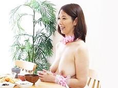 ダイスキ!人妻熟女動画 :SEXもできる!巨乳・巨尻の熟女型リアルダッチドールは僕の肉便器! 翔田千里