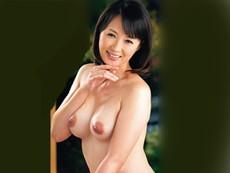 キレイな人妻熟女動画 :夫と子供が留守の日にセフレを自宅に呼んで濃厚セックスしちゃう五十路妻 安野由美