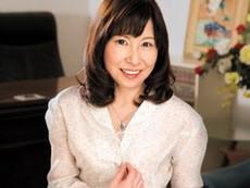 ダイスキ!人妻熟女動画 :65歳のお婆ちゃんが若くて元気な男優にガン突きされてアソコ壊れそう… 秋田富由美