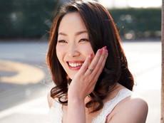 キレイな人妻熟女動画 :島育ちの純粋三十路妻が夫に嘘をついて上京して若いセフレとSEX! 田中れいみ