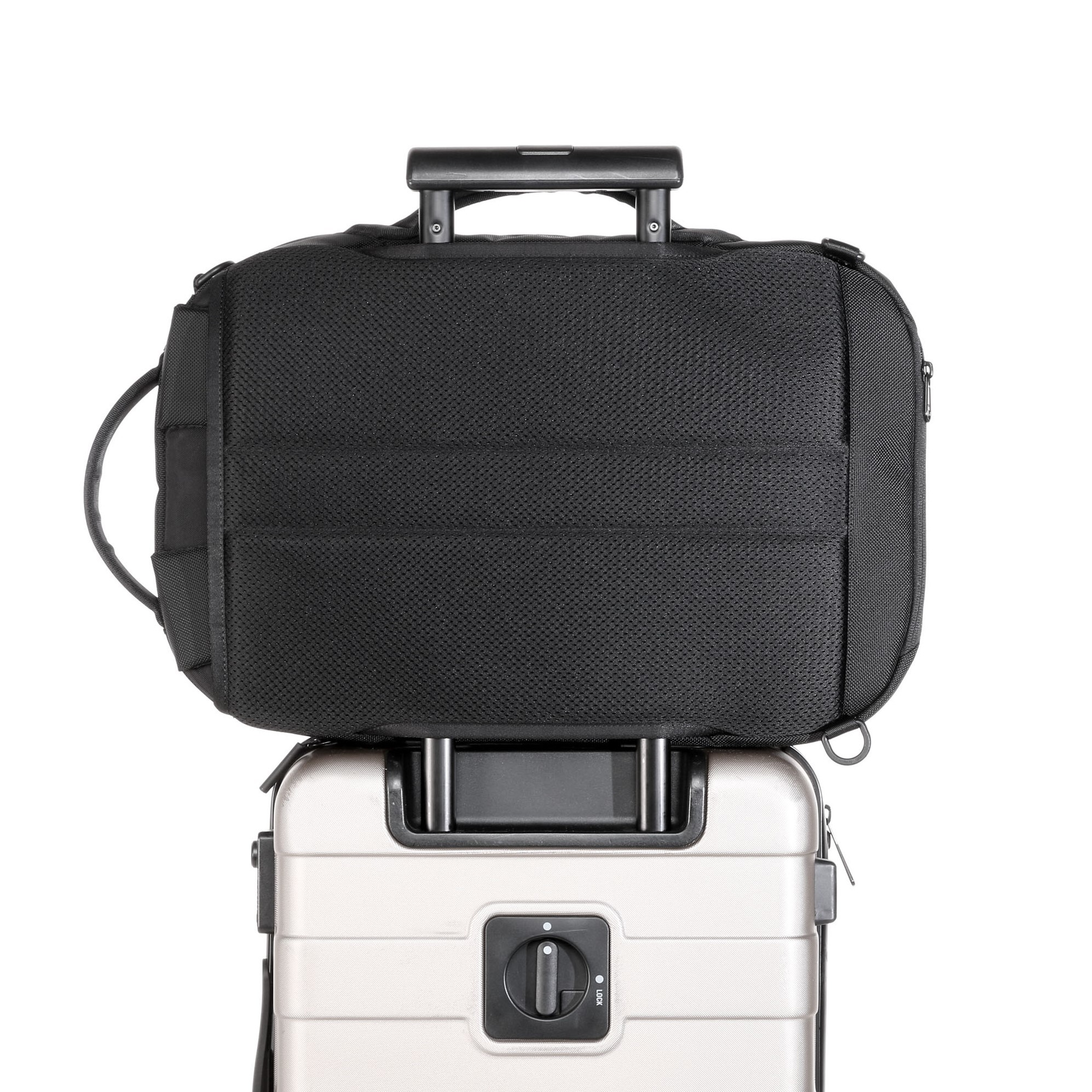 aer21002_fp_luggage.jpg