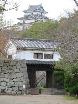お城 岡口門